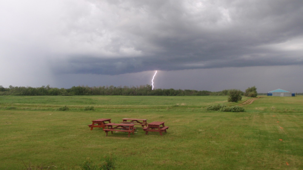 Lightening and severe thunderstorm warning at the Edmonton Soaring Club.