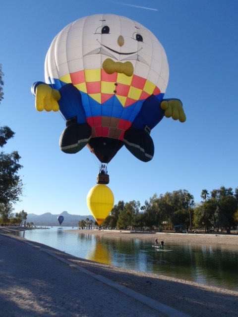 Humpty over the canal (yellow blob in another balloon in the background).